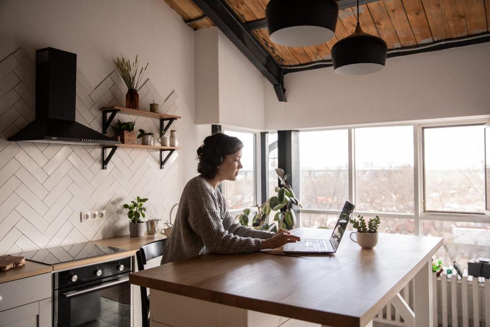 10 manieren voor makkelijk geld verdienen vanuit huis